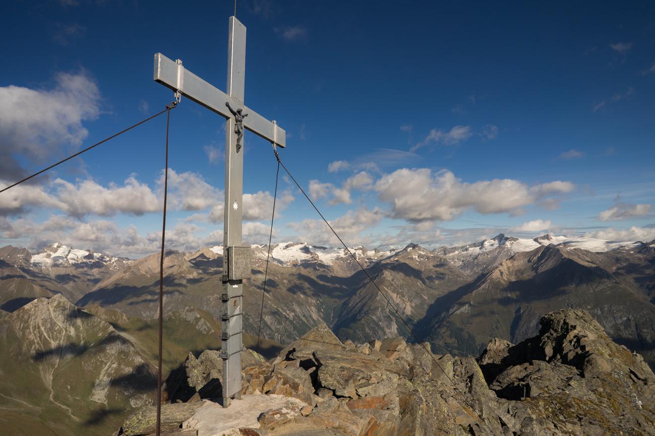 Lasörling Gipfelkreuz