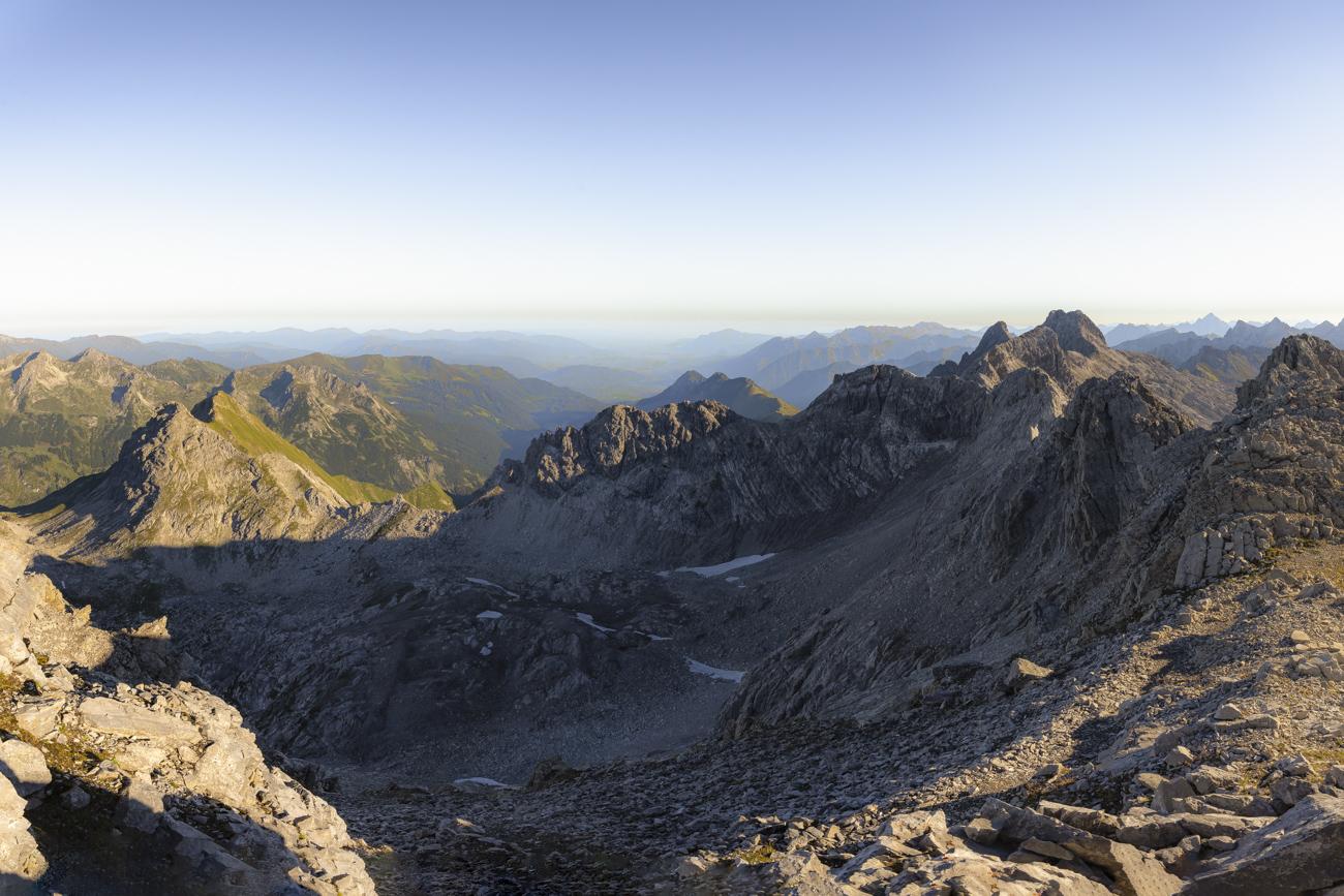 Gipfelpanorama mit Blick auf den Heilbronner Höhenweg
