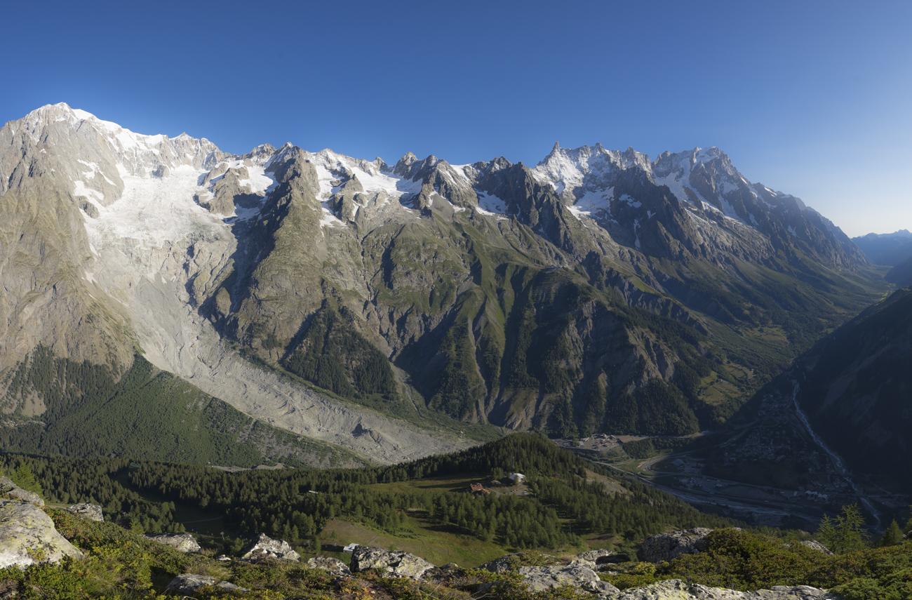 Gipfelpanorama: Mont Blanc & Grandes Jorasses
