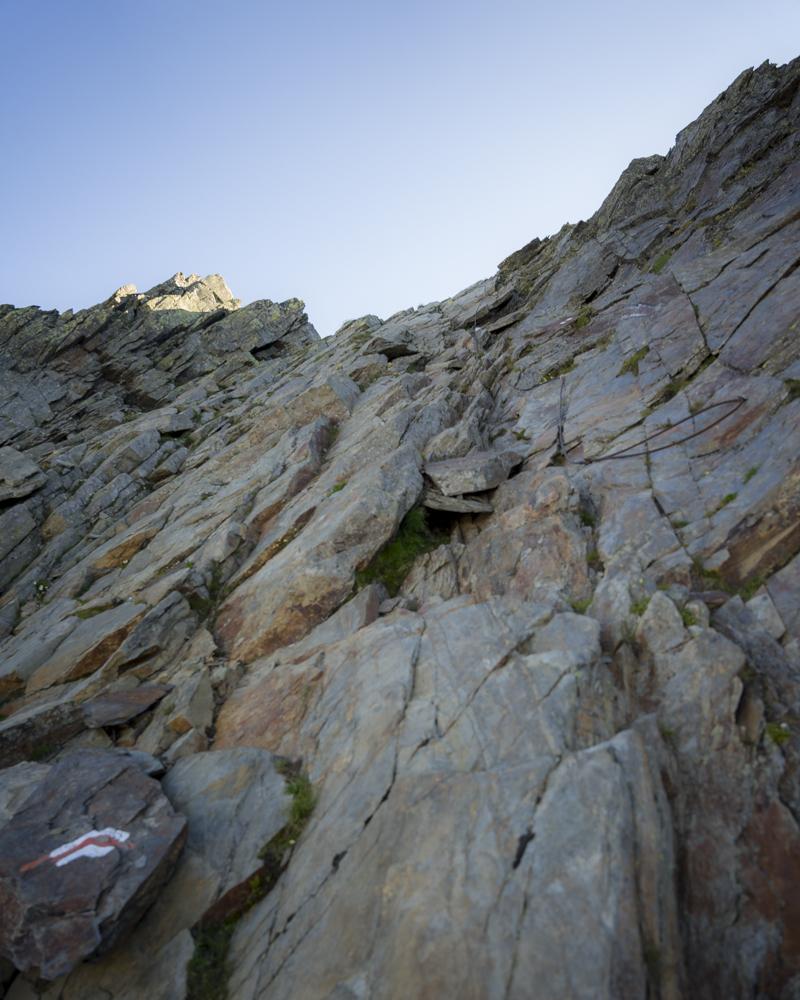 ...Stahlseile versüßen den Aufstieg auf die Grande Chenalette