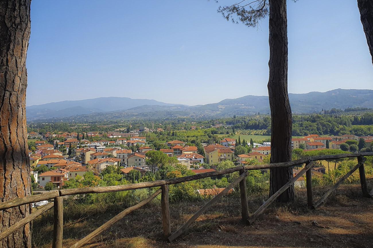 Im Schatten der Kiefern: Der Parco Arezzo