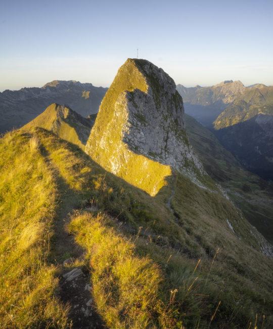 Der 8 m höhere Hauptgipfel des Schneck vom Vorgipfel (2060 m) aus gesehen